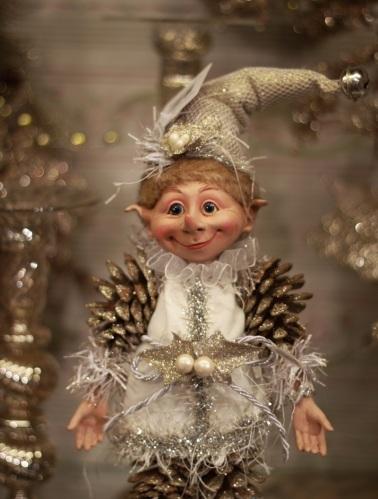 Christmas Pinecone Elf