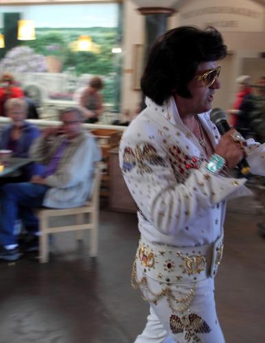 Elvis Is Leaving The Building