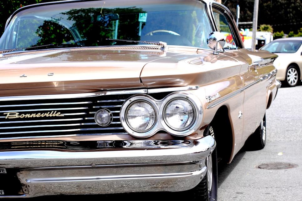 1960 Pontiac Bonneville 1