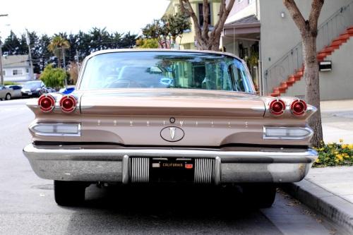 1960 Pontiac Bonneville 3
