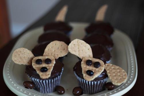 Weiner Dog Cupcakes